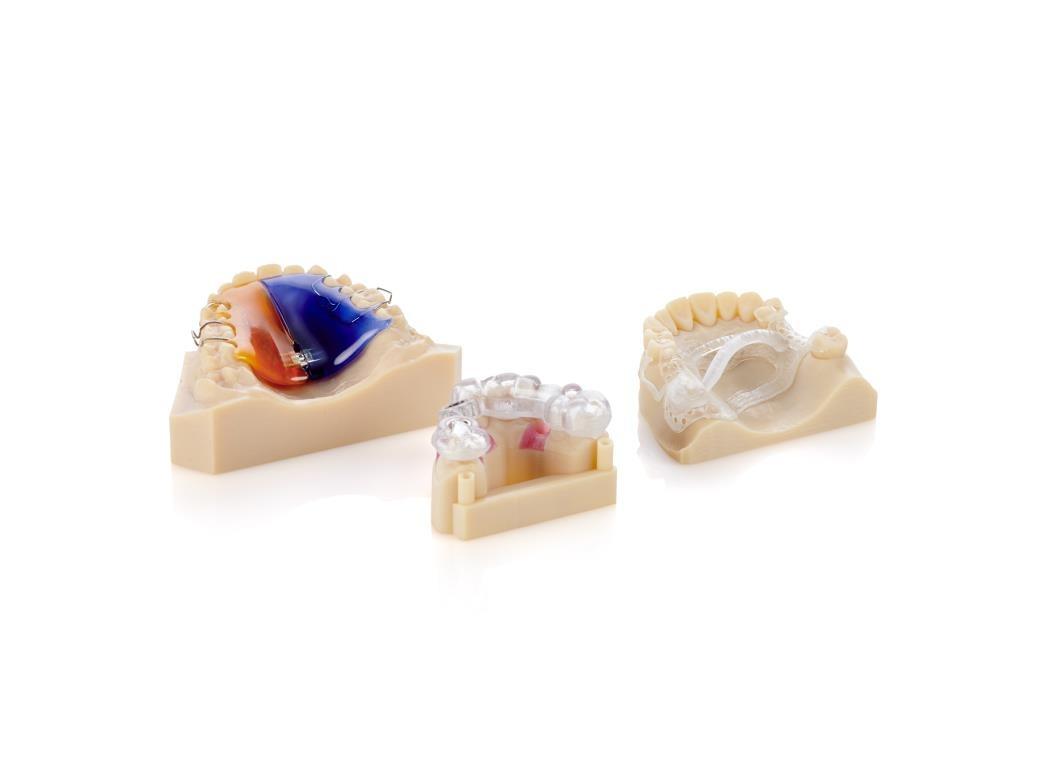 Modelo de implante com guia cirúrgica, dentadura parcial